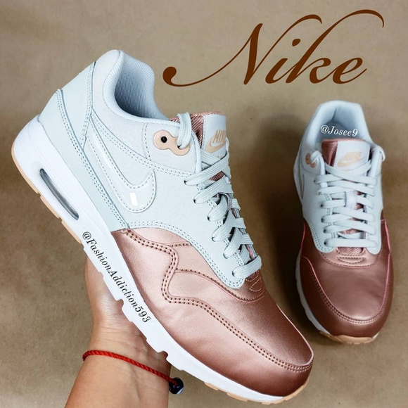 Nike Air Max 1 Ultra SE Women s Rose Gold sneakers e222eb867